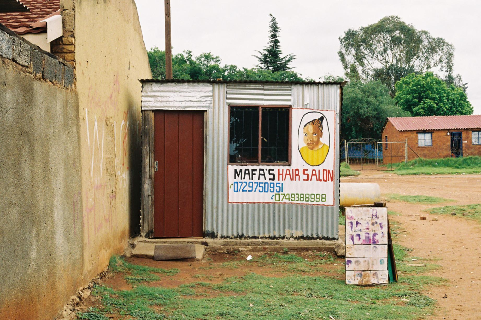 simonweller-barbershops-soweto3
