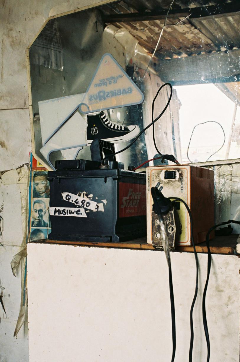 simonweller-barbershops-soweto6