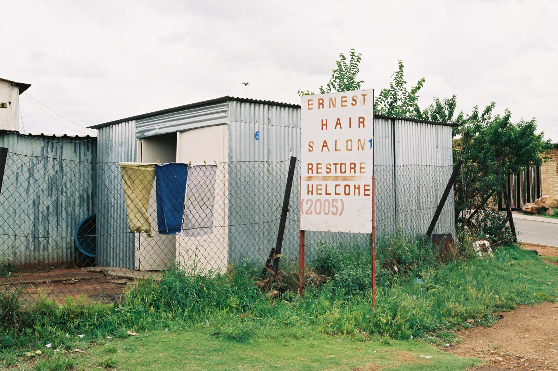 simonweller-barbershops-soweto9