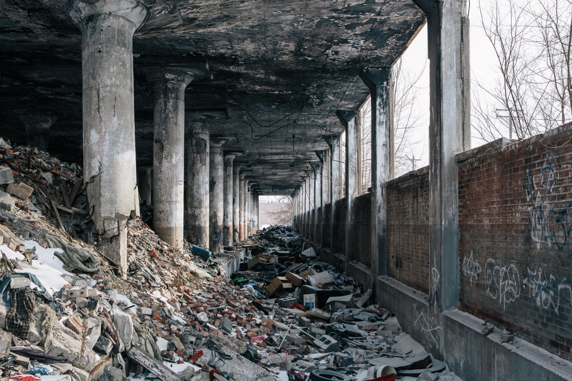 simonweller-frozenstates-abandonedfactory