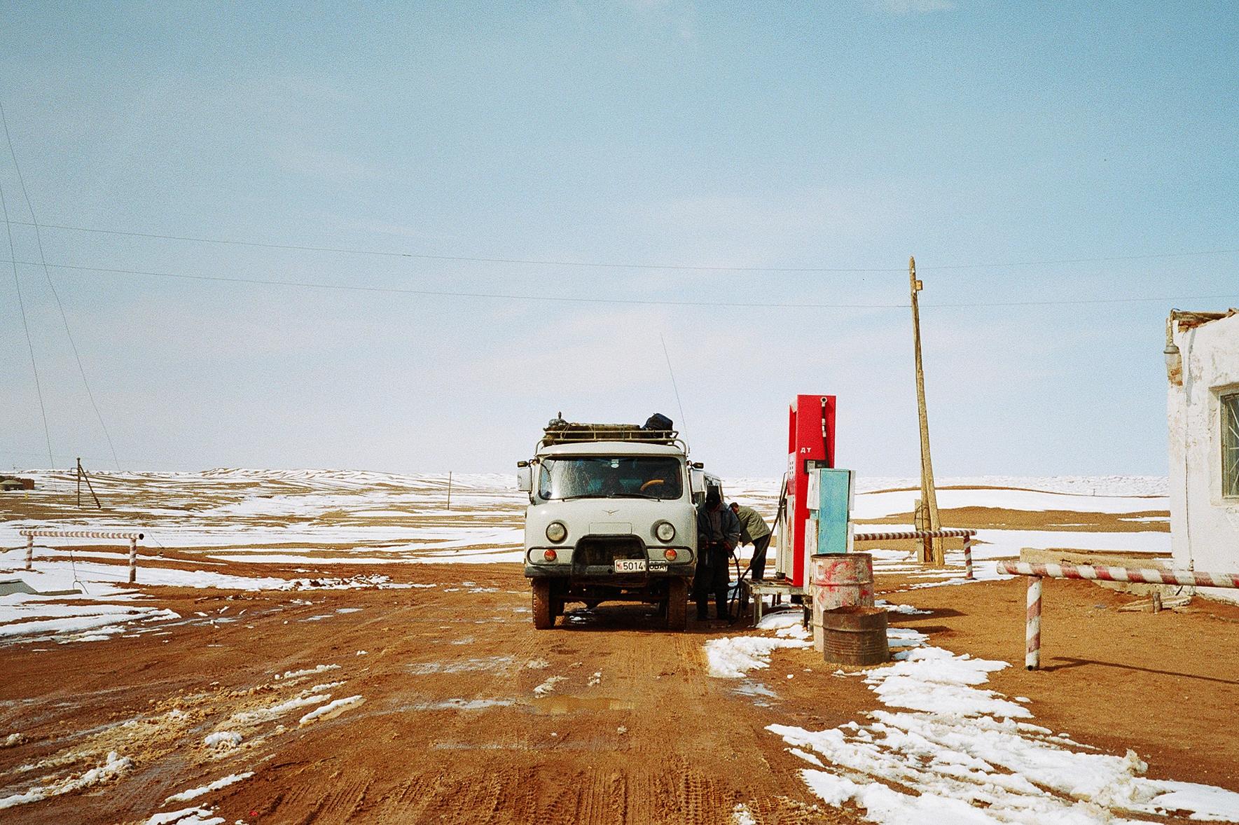 simonweller-mongolia-gobigasoline