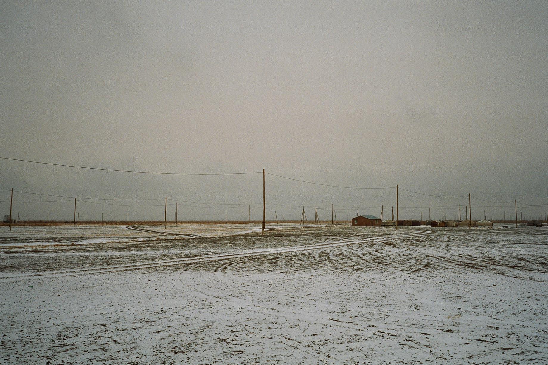 simonweller-mongolia-gobivillage