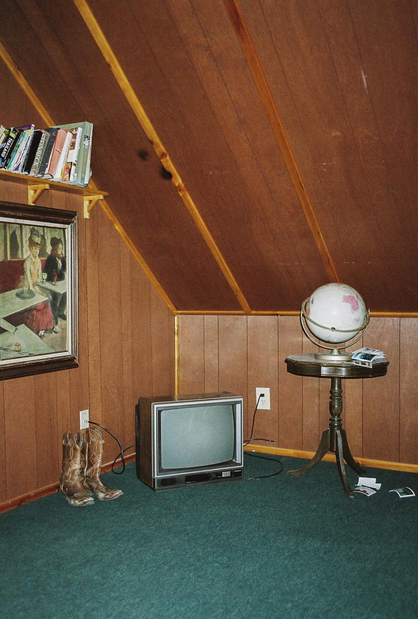 simonweller-thegoldcountry-cabininterior